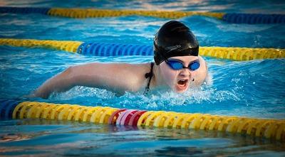 swimming-1265932_640.jpg